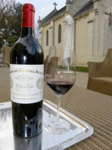 cheval1 223x300 2009 Cheval Blanc St. Emilion Bordeaux wine, puts Cheval back on Top