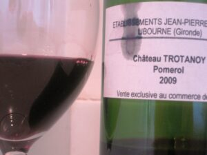 Trot 09 300x225 2009 Pomerol Wine Tasting Notes Part 1, Petrus, La Violette and more