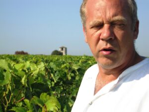 Derenoncourt DlA 300x225 2010 Pomerol Harvest is in full bloom in Bordeaux, Expect Low Yields