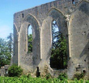 St. Emilion ruins Learn about St. Emilion Bordeaux, Best Wines, Chateaux, Vineyards, Character