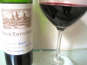 2009 dEstournel 300x224 2009 Bordeaux Wine Vintage Report and Buying Guide