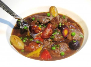 Lamb Stew Spoon 300x222 Lamb Stew, Bordeaux Wine, Rhone Wine make a perfect pair