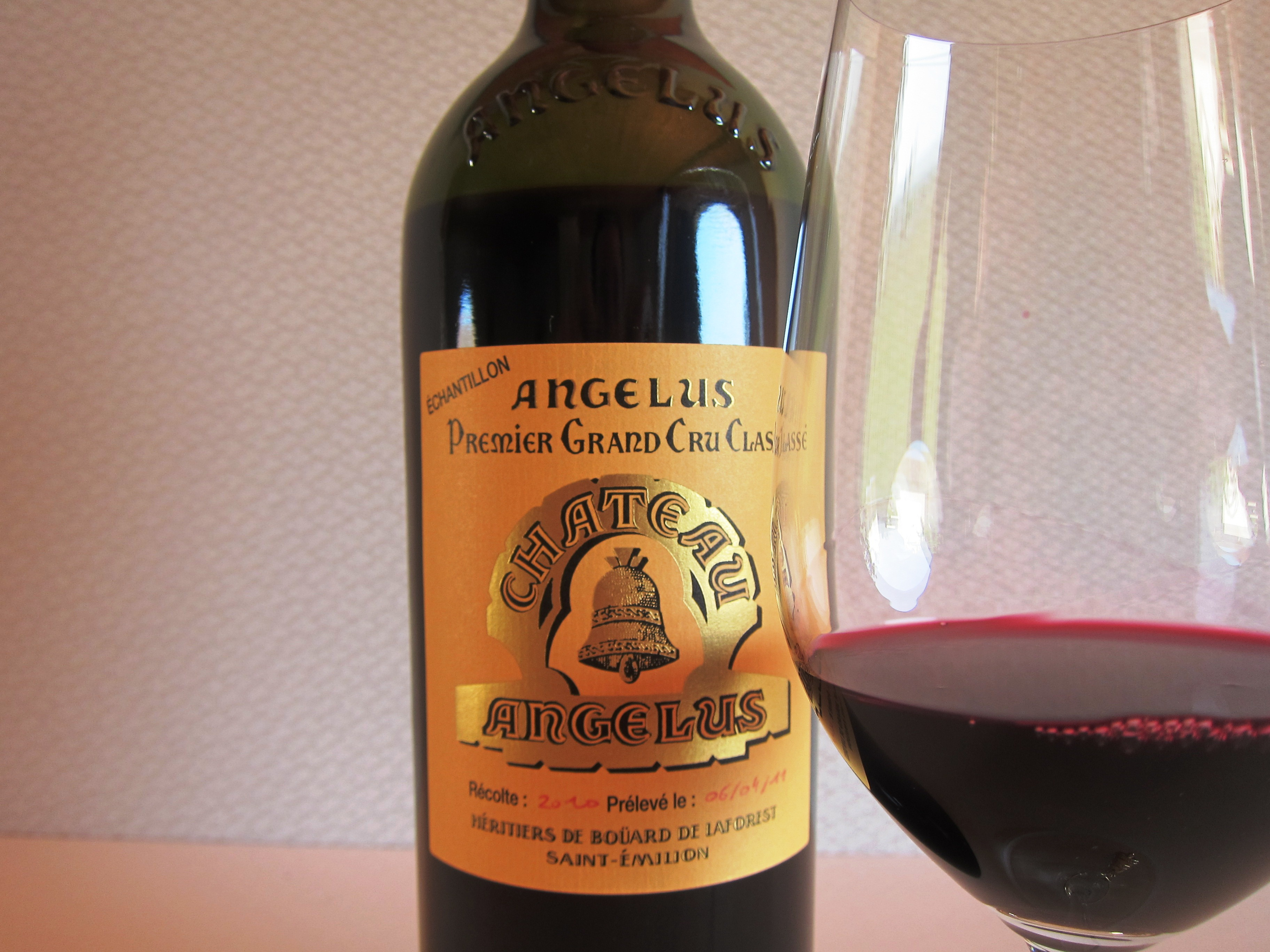 2010 angelus tasting notes show cashmere tannins intensity for Chateau angelus