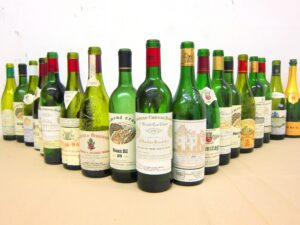Matthesen Blind bottles 300x225 Blind Tasting Bordeaux Wine, Rhone Wine & More 7 Blind Men
