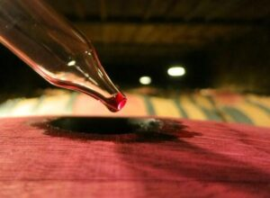 2011 Barrel Drip red 300x220 2011 Pessac Leognan Guide to the Best Wines of the Vintage
