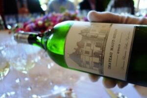 White Bordeaux Wine 300x200 Best White Bordeaux Wine Guide, Top Chateau, Taste Character Grapes
