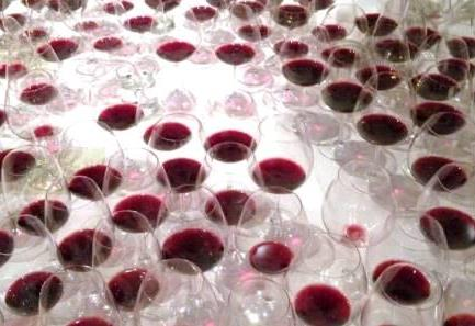Value wines in the glass 2000 Bordeaux Wine Buying Guide Tips on Best Value Wines