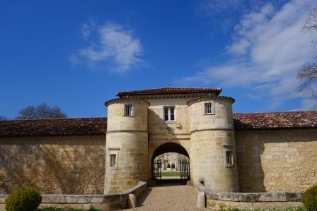Chateau Entrance Chateau dIssan Margaux Bordeaux Wine, Complete Guide